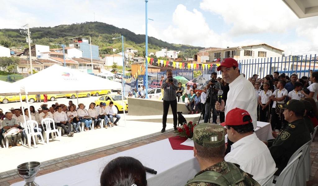 Inauguran terminal de transporte en Oiba, Santander