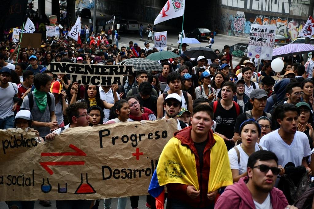 """""""No le hagan conejo a U. pública"""": estudiantes"""