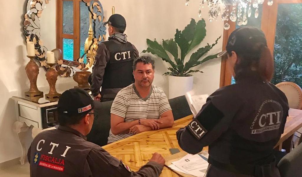 Juez envía a prisión a alcalde de Barbosa