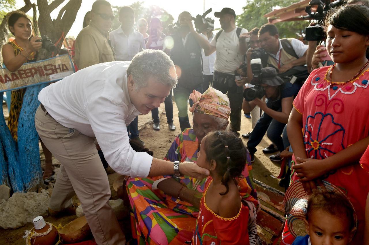 Duque hace pacto por el agua en La Guajira