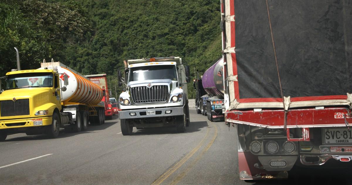 Tránsito vehicular restringido en la Calle 13