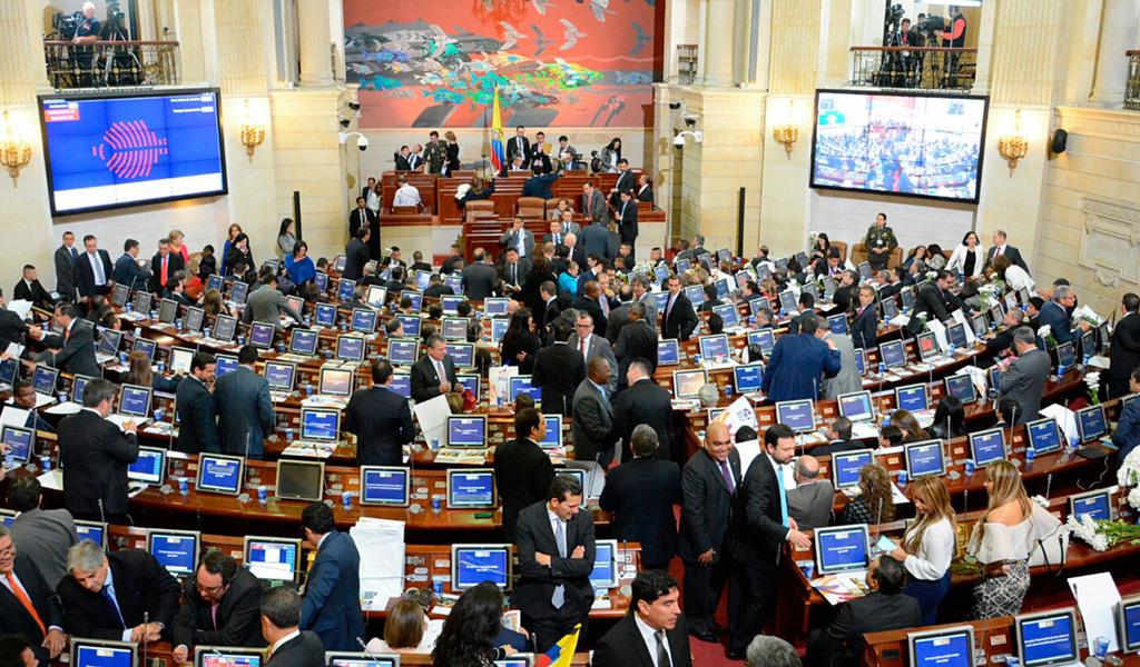 En vilo votación de la Reforma Política en el Congreso