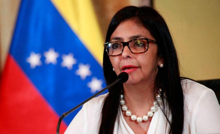 """Delcy Rodríguez tilda de """"ignorante"""" a Marta Lucía Ramírez"""