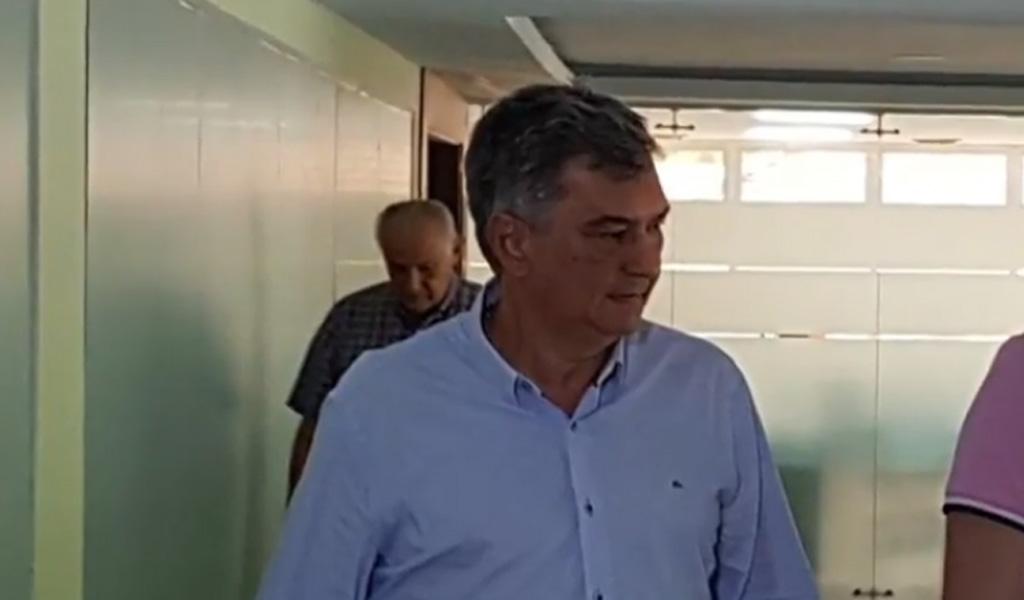 Se entrega padre del exgobernador Alejandro Lyons