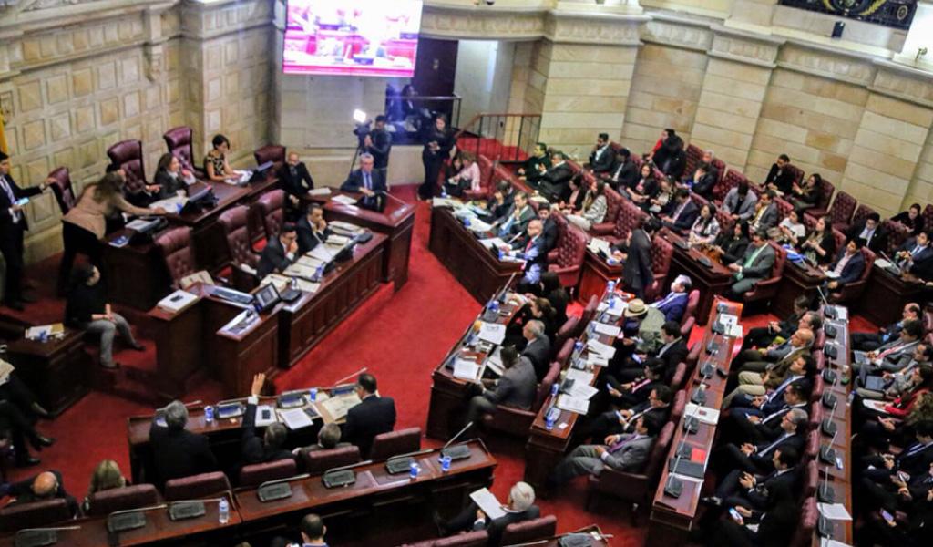 Ausencia de ponentes deja sin debate a Ley de Orden Público