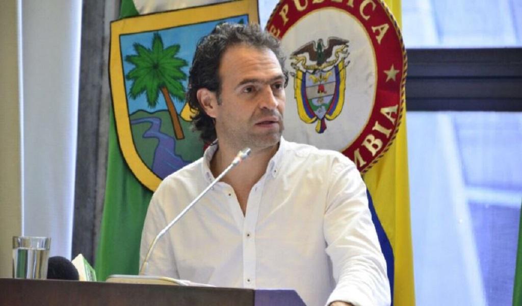 Citan a audiencia a Federico Gutiérrez por desplazamientos
