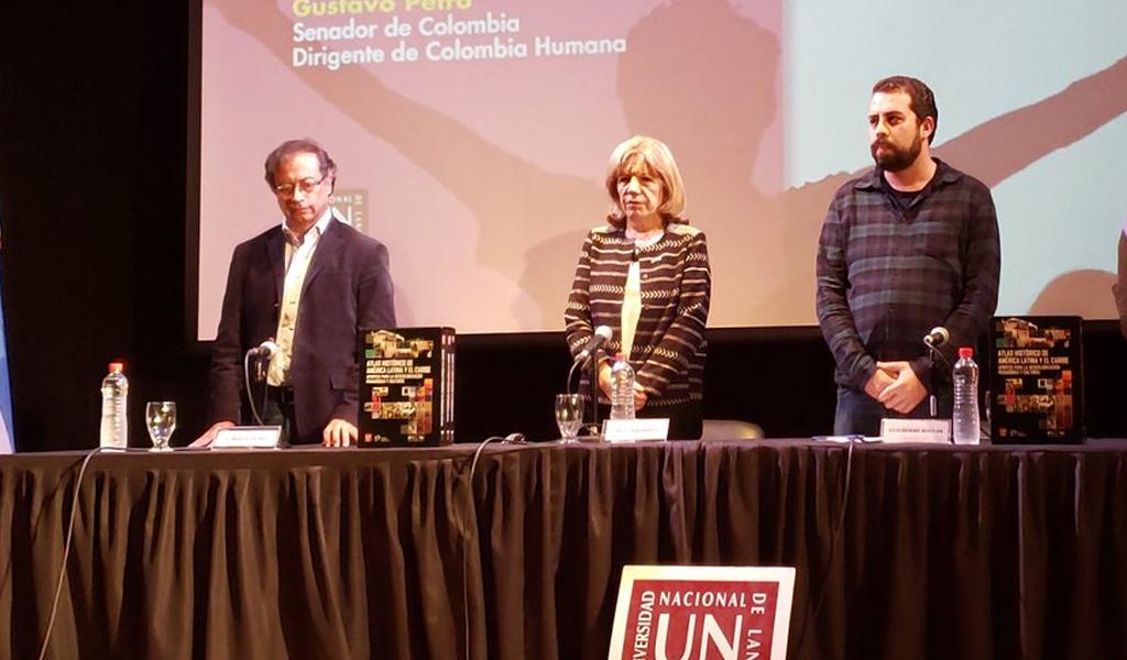 Petro fue galardonado profesor honorífico en Argentina