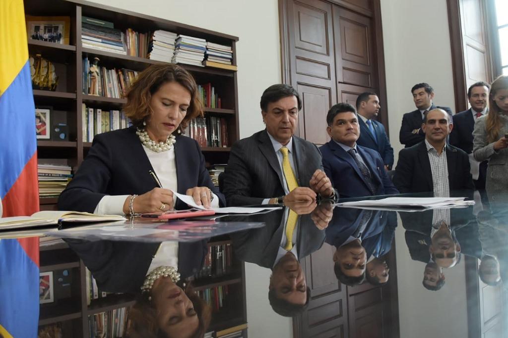 Gobierno invitó a un pacto por la transparencia