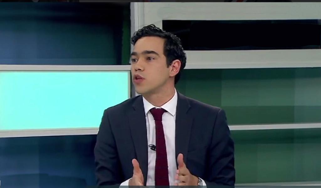 Viceministro de Hacienda: mal librado en redes