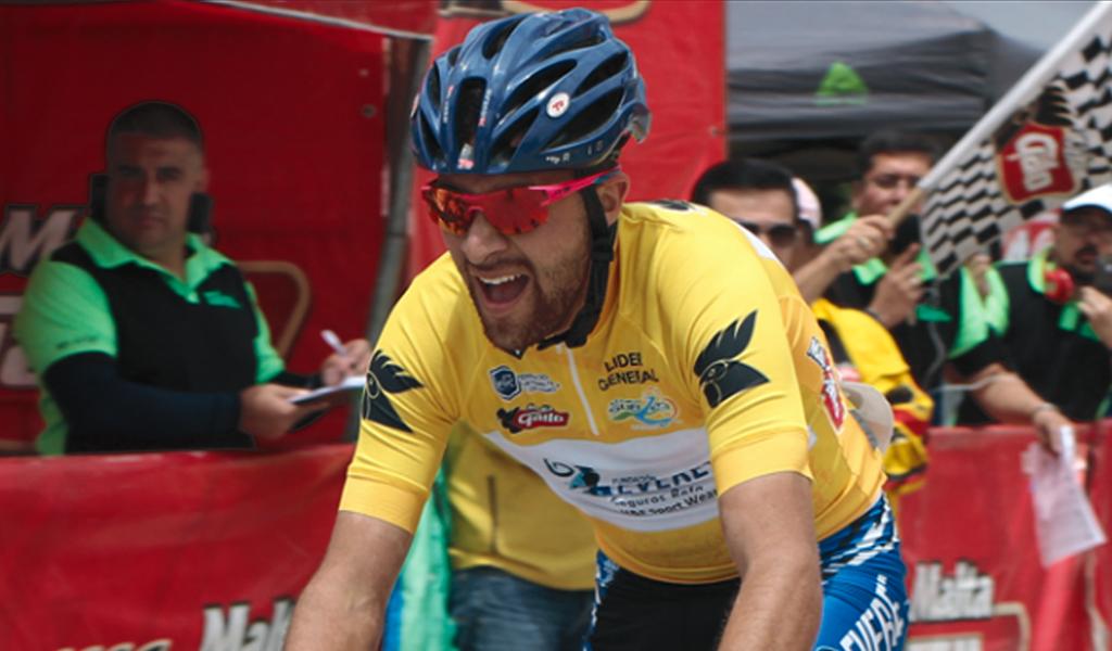 Yeison Rincón se coronó campeón de ruta