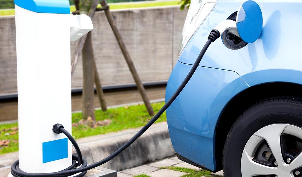 ¿Cómo comprar un carro eléctrico en Colombia?