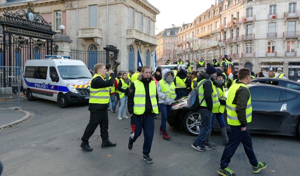 Detenidas 25 personas antes de iniciar protestas en París