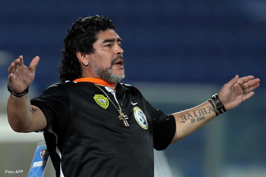 Maradona fue internado pero ya está fuera de peligro