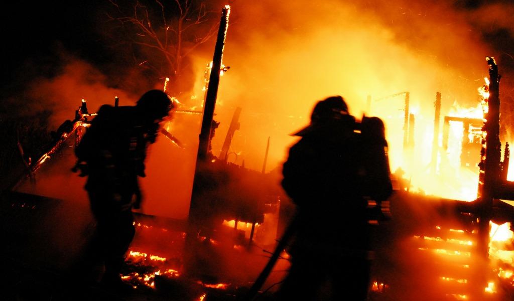 Toma ilegal de oleoducto causó feroz incendio en México