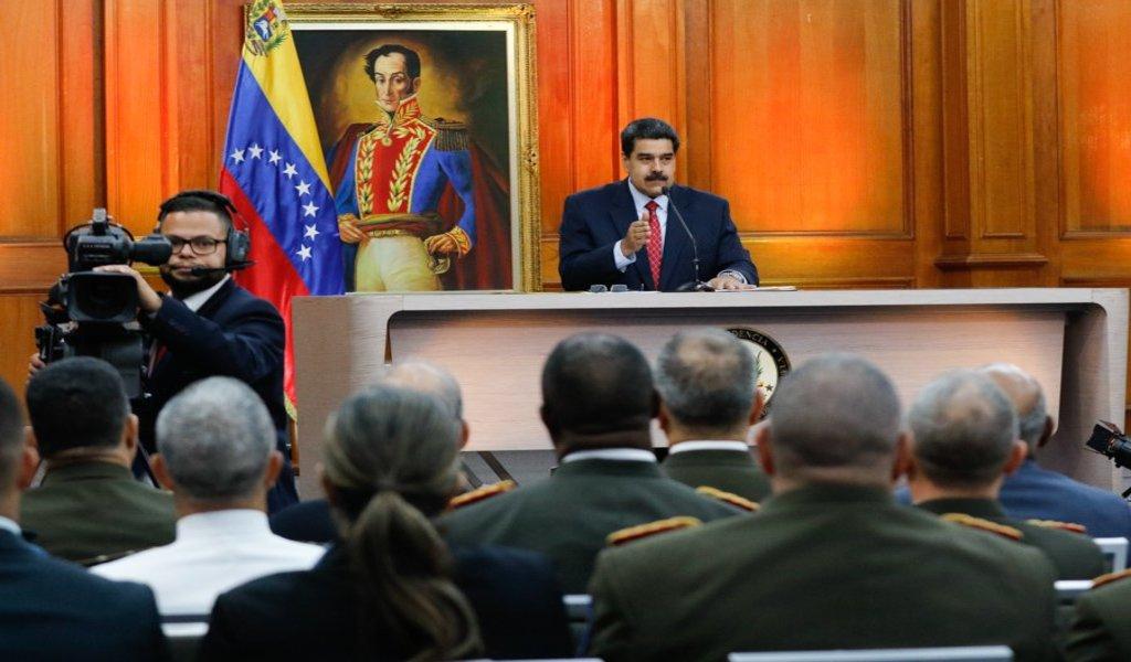 """Vamos a desmontar este golpe de Estado"": Maduro"