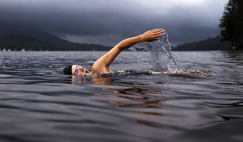 Cinco ejercicios básicos que benefician la salud