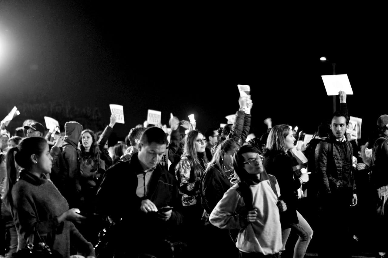 Alegría y pancartas: Crónica de otro plantón contra el fiscal