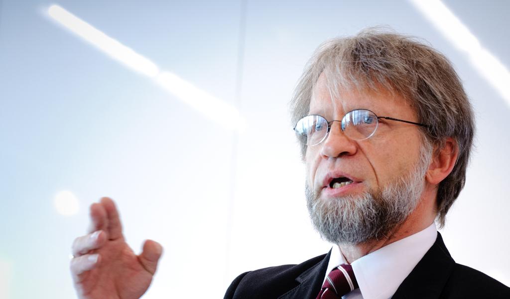 Antanas Mockus votará objeciones a la JEP en el Senado