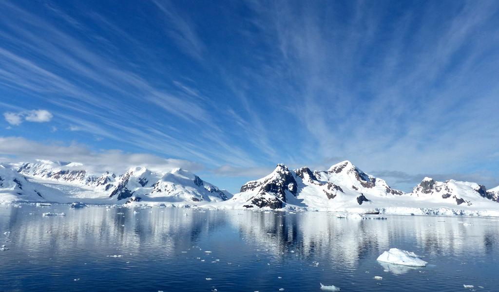 Rompen récord al perforar el agujero más grande de la Antártida