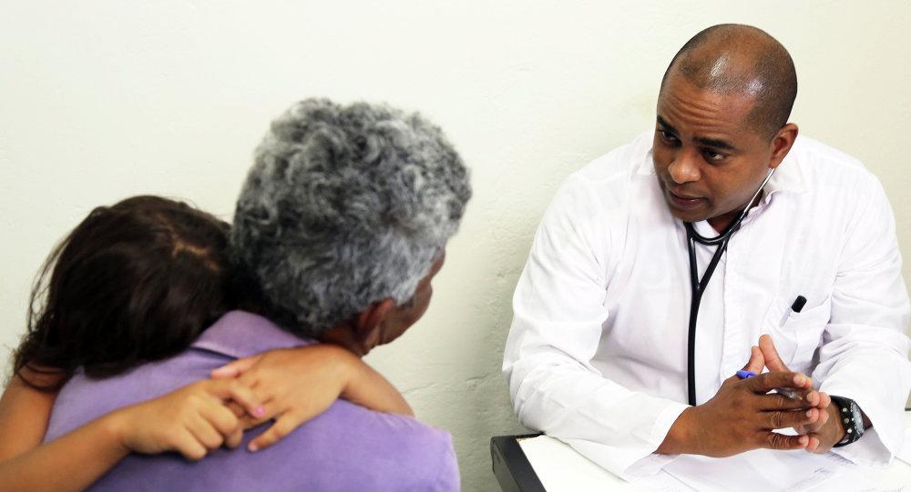 Presidente venezolano anunció llegada de 2.000 médicos cubanos