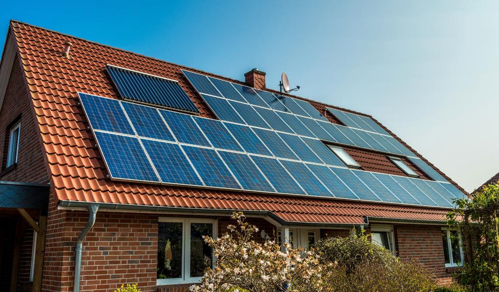 China donó a Colombia tres mil paneles solares