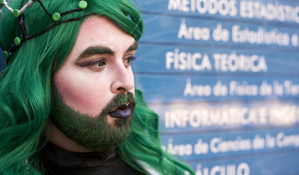 La primera 'drag queen' del mundo que divulga ciencia