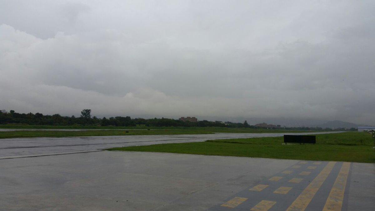 Retrasan operación de aeropuerto de Medellín por mal clima