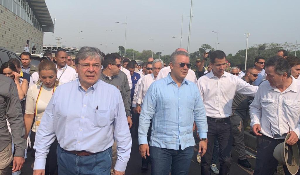 Mandatarios coordinan ayuda en Puente Tienditas