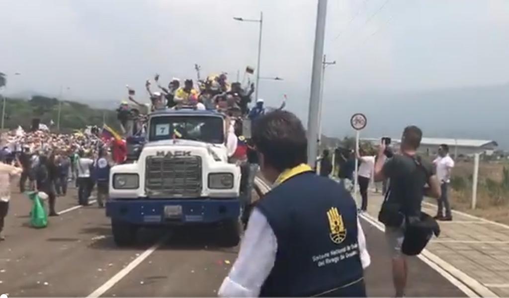 EN VIVO: Colombia devuelve la ayuda humanitaria