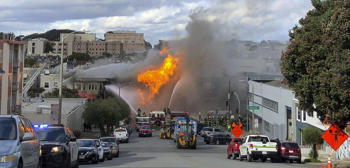 Explosión en San Francisco generó grave incendio