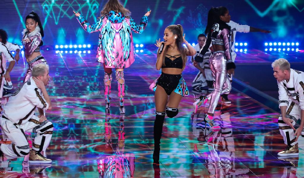 Ariana Grande da inicio a su más reciente gira