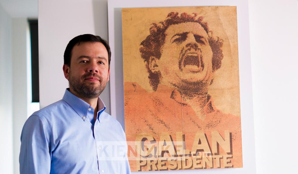"""""""Aún me guían los consejos de mi padre"""": Carlos F. Galán"""