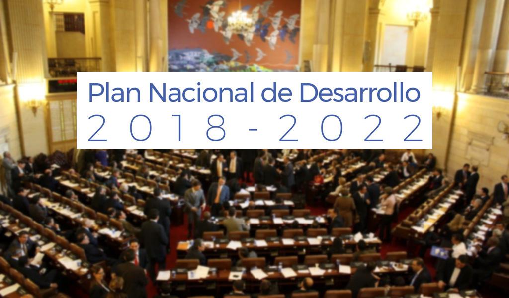 Contra viento y marea, PND fue aprobado por el Senado
