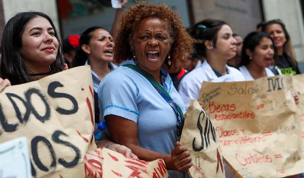 Analistas advierten de un colapso político en Venezuela