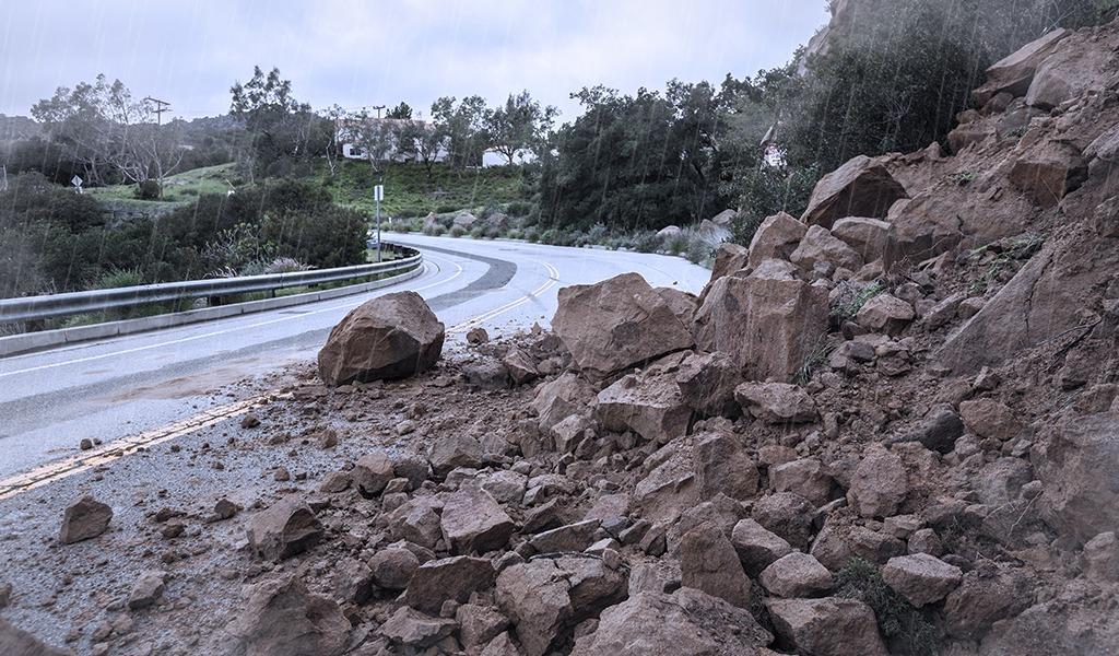 Declaran nueve departamentos en riesgo por deslizamientos