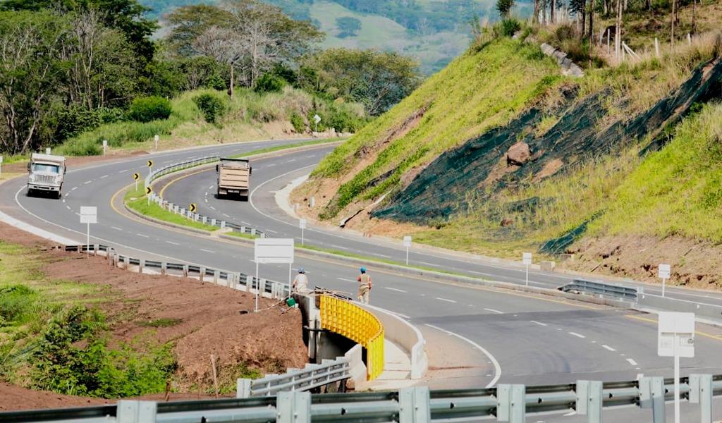 Entregan obras del Pacífico 2 en Antioquia