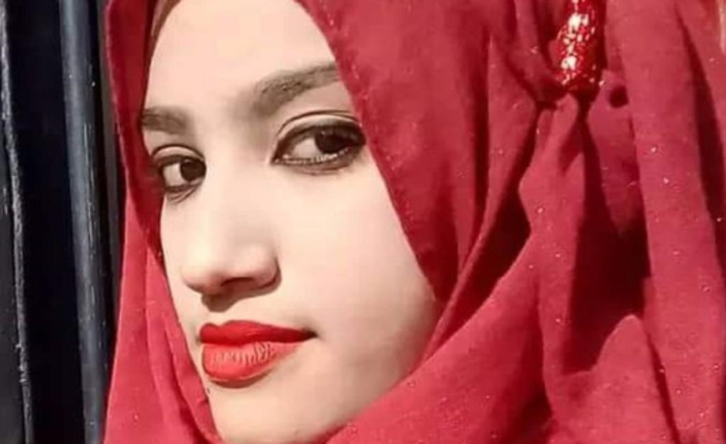 16 condenados a muerte por quemar viva a una joven