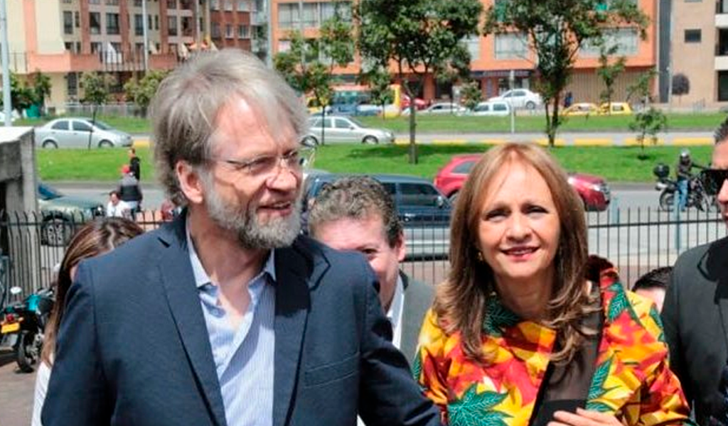 Curules de Mockus y Ángela María, en riesgo