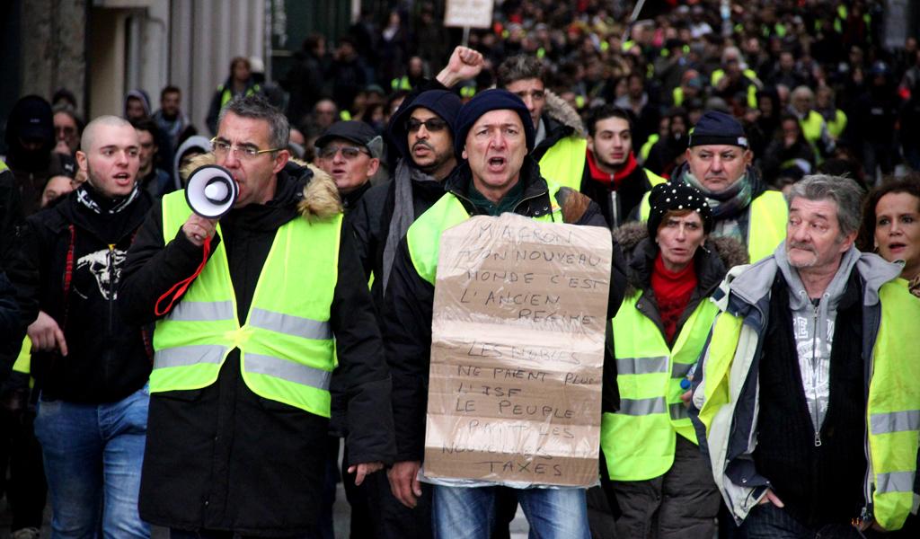 Prohíben movilizaciones de chalecos amarillos cerca de Notre Dame