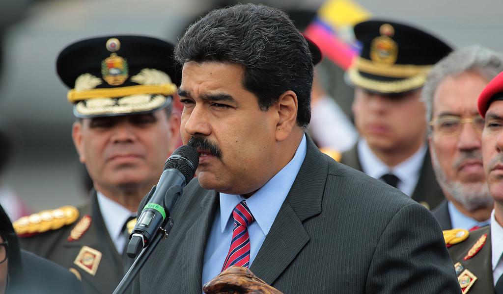 Gobierno de Maduro también llamó a la gente a las calles