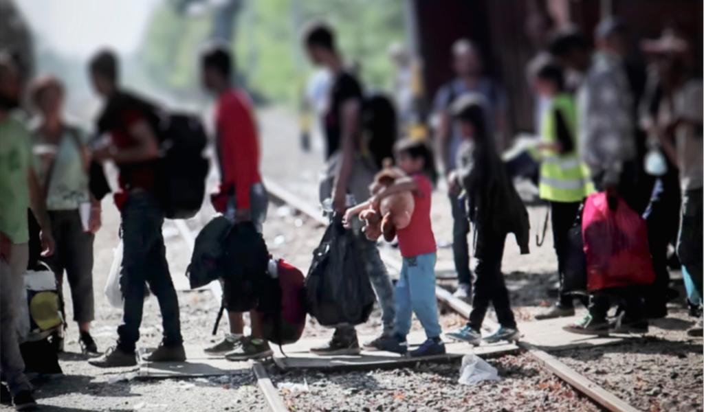 Caravana de 3.000 migrantes ingresa por el sur de México