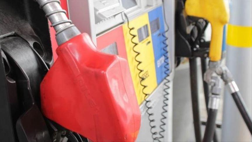 Gasolina por oro y dólares: la nueva modalidad de la escasez