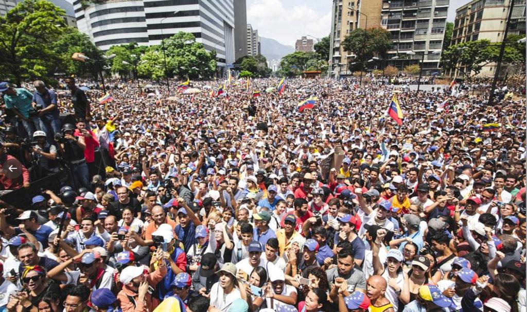 Manifestaciones en Venezuela dejaron más de 70 heridos
