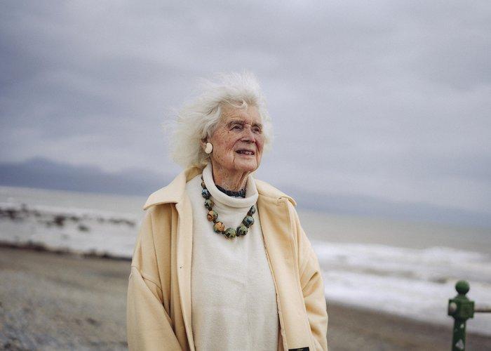Jan Morris, la transexual más conocida en Inglaterra ya tiene 92