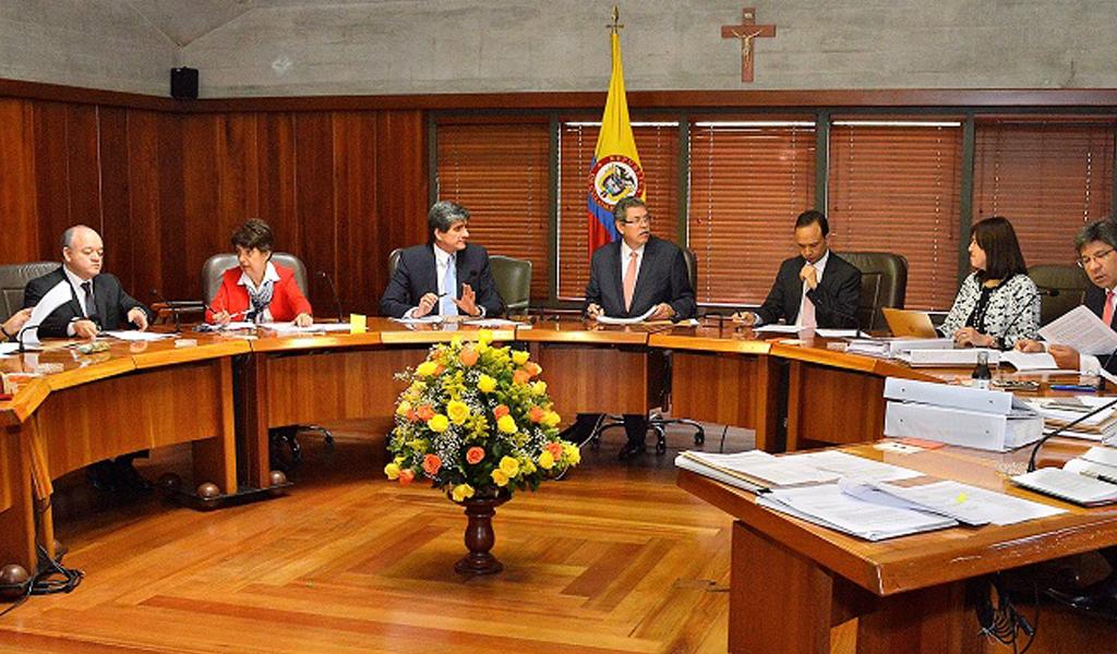 Restablecen visa a magistrada de la Corte Diana Fajardo