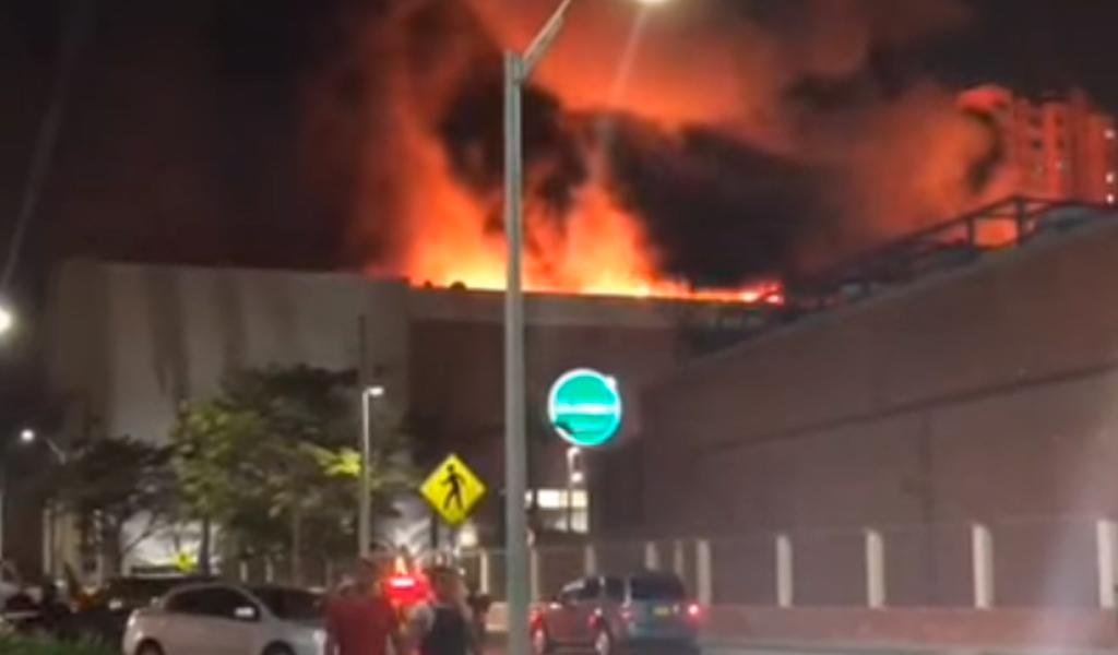 En videos   El voraz incendio del domingo en Barranquilla