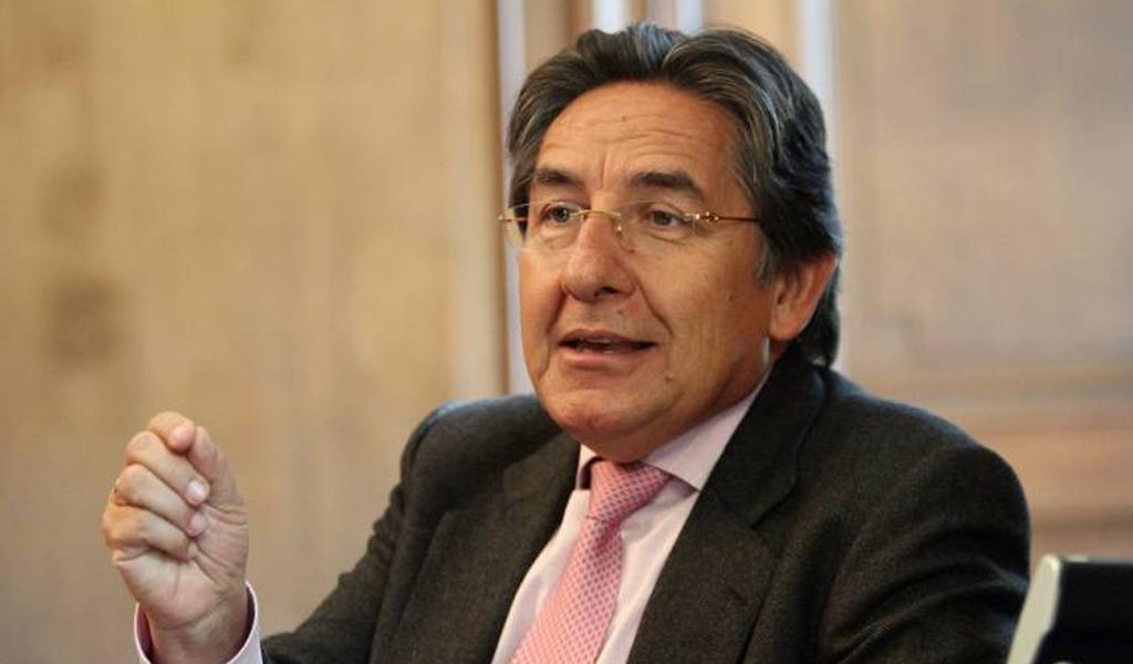 ¿Quién es el exfiscal general Néstor Humberto Martínez?