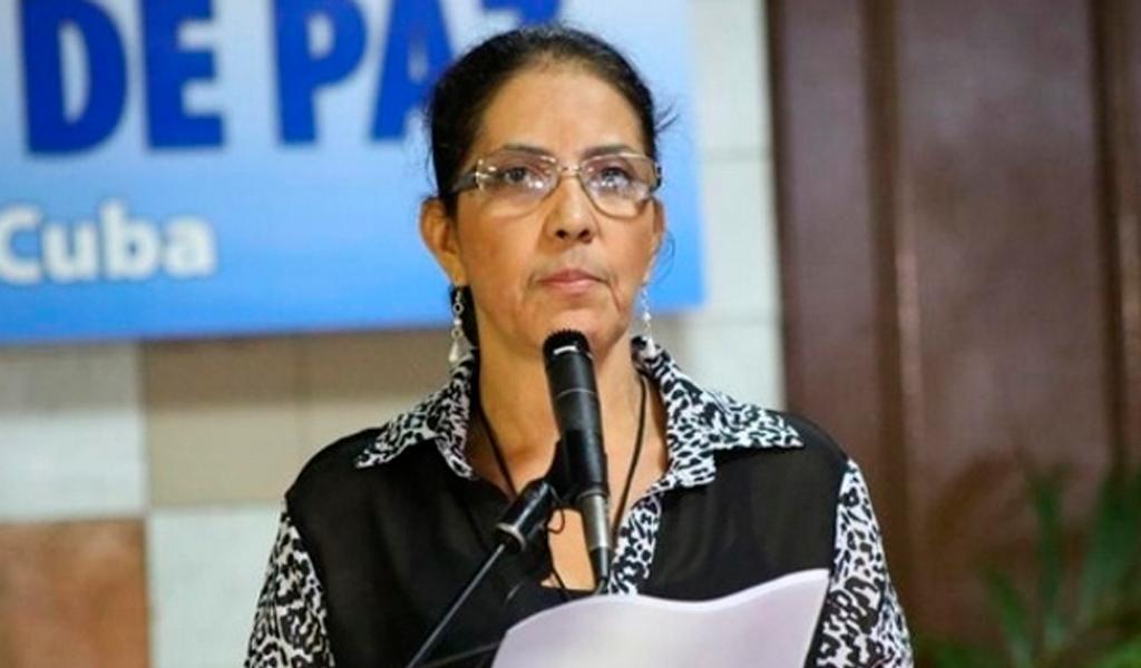 """""""Sería cobardía volver a tomar un arma"""": Erika Moreno"""
