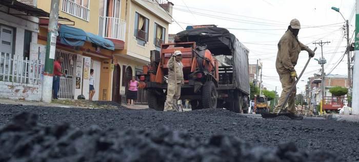 'Tropa Bachetón', una iniciativa para arreglar las calles de Cali