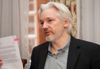 Dejan en prisión al fundador de Wikileaks, Julian Assange
